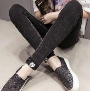 韩国妹子都在穿加绒打底裤,尤其是图2,减龄有魅力,关键还保暖