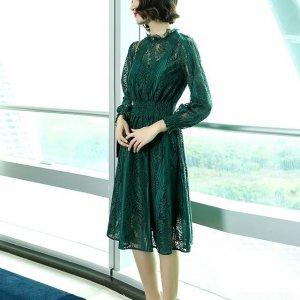 紧跟潮流美裙趋势,奔三的你也能玩出时尚味,分分钟CHIC有型