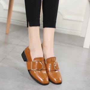 春季来一双小皮鞋,干净利落突显知性美