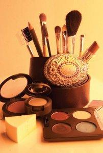 过期的化妆品千万不要扔,你想不到的竟然还有这些用处