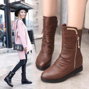 今年秋冬流行复古尖头短靴,粗跟设计好穿又好看,超时髦