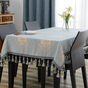 清新、简约款的桌布,让餐桌变得更浪漫,为你点亮用餐好心情