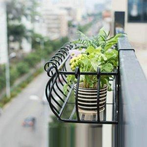 欧式铁艺阳台花架,好看更耐用,给你的多肉安个窝吧