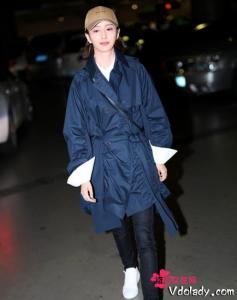 春季就选佟丽娅同款系带风衣    适合自己才是最好的