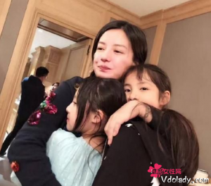 童星周漾�h微博晒出赵薇酒庄照片   网友表示真的是太豪了!
