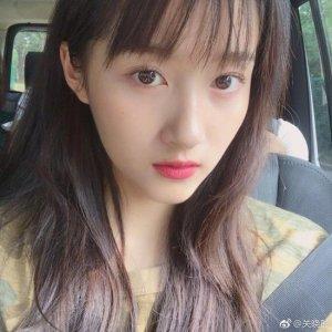 空气刘海再度流行  众多艺人纷纷换发型