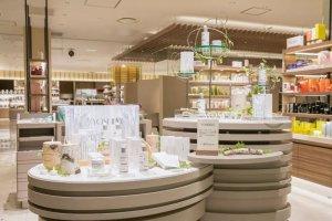 养生堂天然桦树汁化妆品入驻高端百货伊势丹,长线布局日本市场