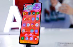 中端价格旗舰级体验,三星Galaxy A70成青年优选手机