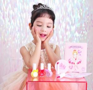 专为模仿妈妈化妆的小公主彩妆-沐绯喃喃(peach and)