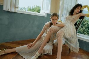走进ONEMORE夏日试衣间,探寻现代女性的独立之美